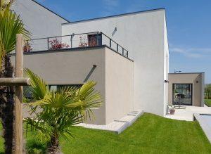Balcon de la maison individuelle