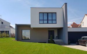Extérieur de la maison individuelle